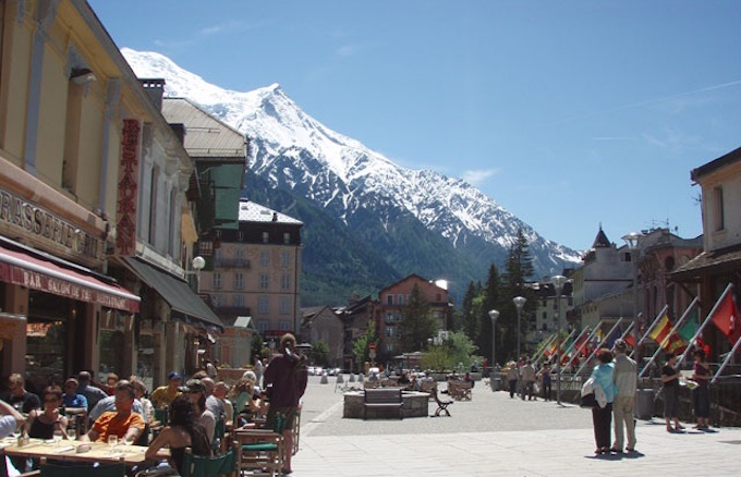 Chamonix dining, chamonix restaurants, chamonix bars, chamonix town, chamonix tourist guide, chamonix attractions