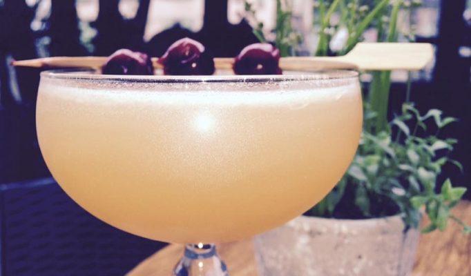 cocktail bar du moulin apple-sour-854x501 Chamonix Club