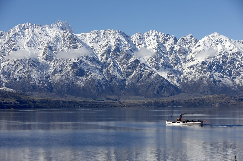 Earnslaw on lake Wakatipu in Winter, Queenstown. New Zealand, Chamonix travel recommendations.