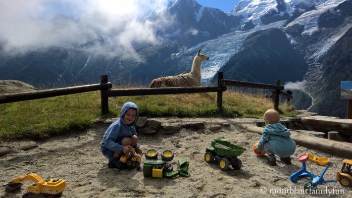 Parc de Merlet sandpit © montblancfamilyfun.com Chamonix adventure parks les parcs d'aventure de Chamonix