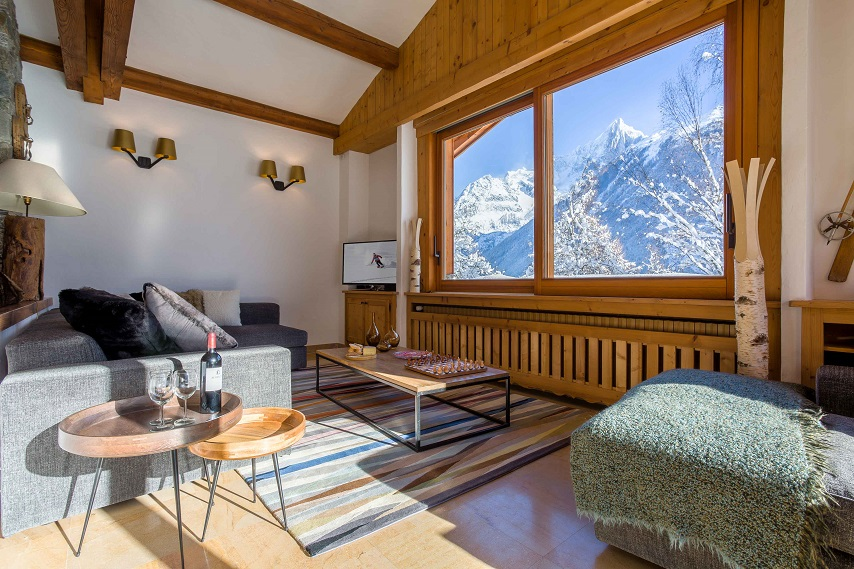 Ski chalet furniture Interiors Every Year Hardworking Skiers Find That They Have Been The Victims Of Ski Chalet Scam And That Their Dream Chalet Holiday Has Gone Up In Smoke Daily Express Top Tips To Help You Avoid Ski Chalet Scam Chamonix All Year