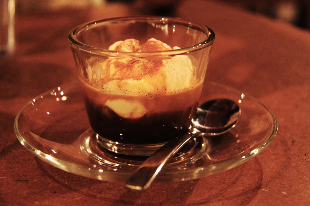 affogato-pixabay Cafés in Courmayeur