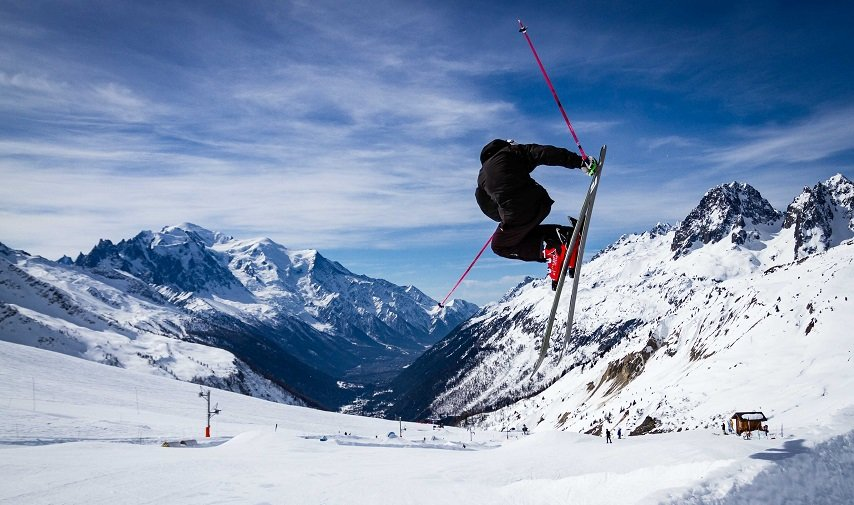 skiing-at-le-tour