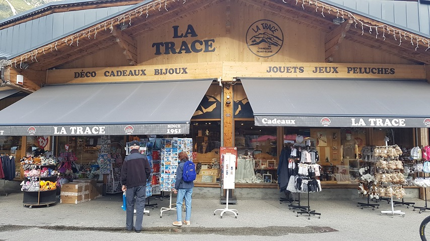 la-trace-souvenir-shop