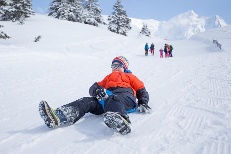 skicamp-les-houches-sledging-pierre-raphoz