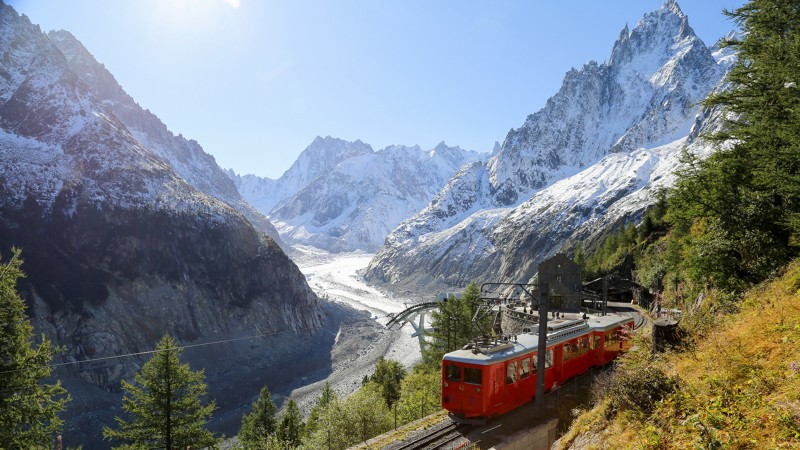 montenvers-train Disabled visitors coming to Chamonix