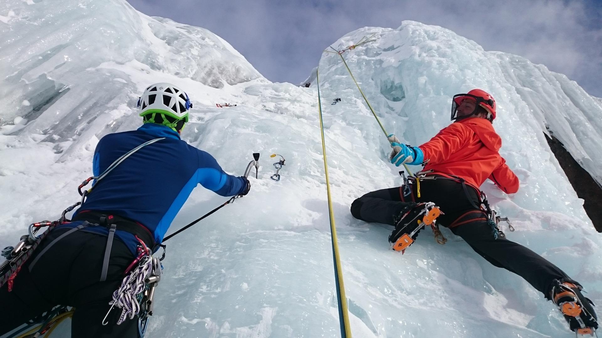 ice-climbing-1247606_1920 guide to chamonix