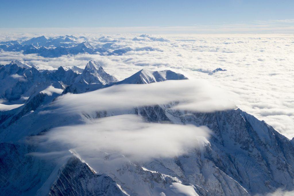 mountain-1777291_1920 travel to chamonix