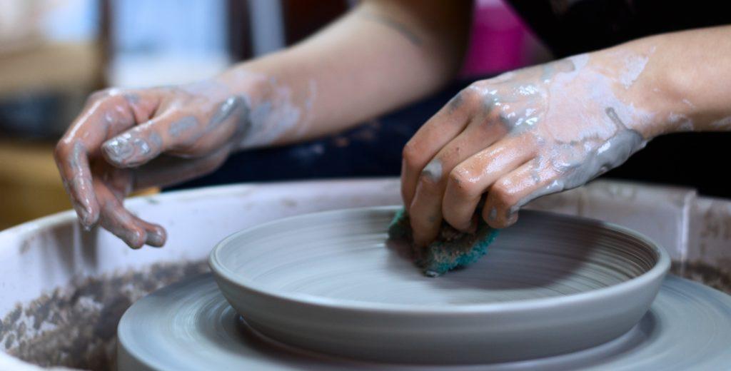 person-making-clay-pot-1675993 art in chamonix